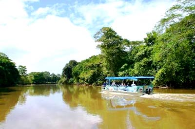 Get to the heart ofCosta Rica, travel safely and get to know the locals.